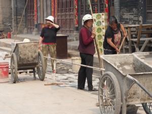 Bauarbeiterinnen sind überall anzutreffen